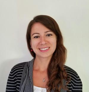 A headshot picture of lecturer Andreea Nicolaescu